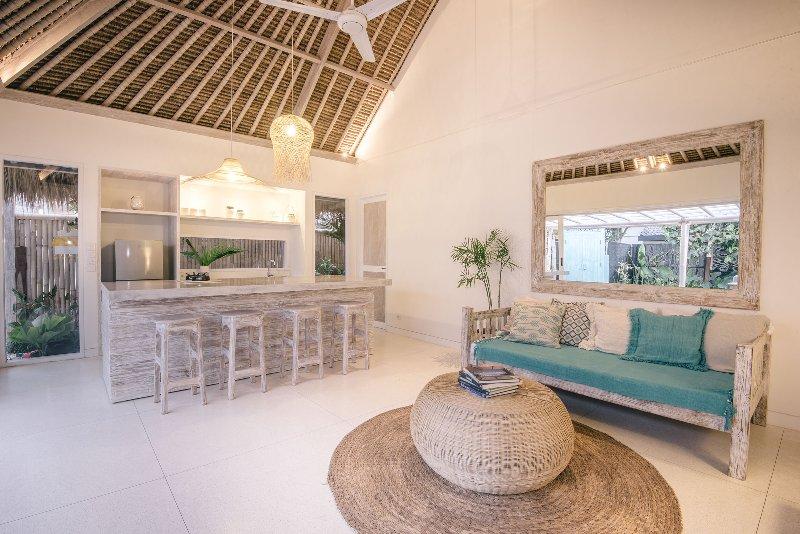 Villa Santai at Sandy Bay, Nusa Lembongan, holiday rental in Nusa Lembongan