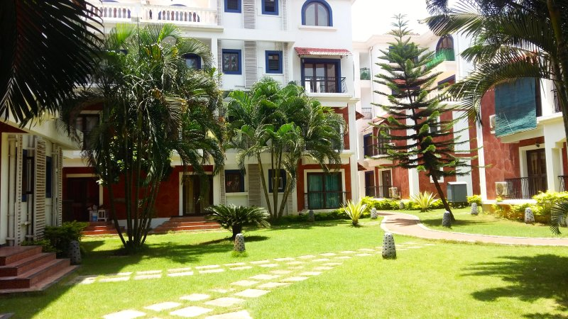 The Nest - 2 BHK furnished AC house in Siolim Goa, holiday rental in Parra