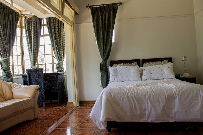 Lautichar Apartments, vacation rental in Zimbabwe