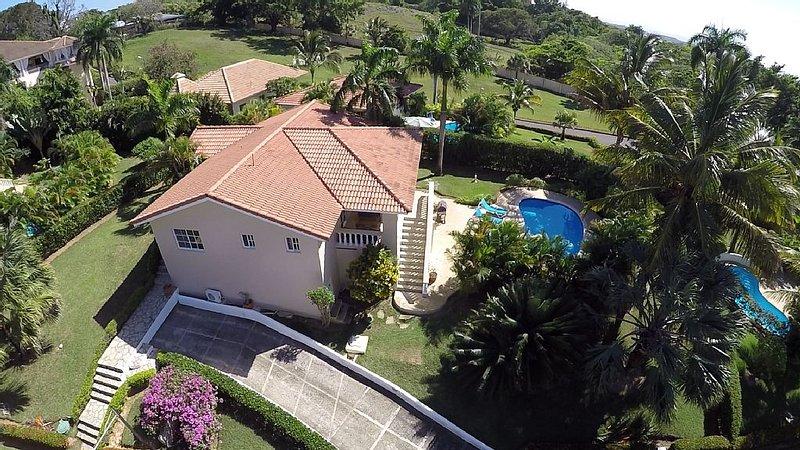GUEST FRIENDLY RESIDENCIAL HISPANIOLA 3 BDRM VILLA, holiday rental in Sosua
