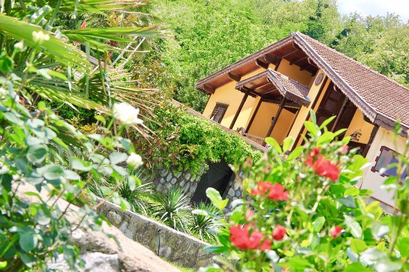 Güngör Garden / Villa Güneş, vacation rental in Izmit