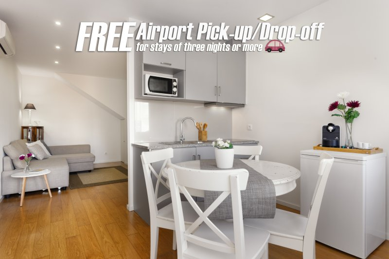 Free Airport Pick-up or Drop-off Service for Stays of 3 Nights or more