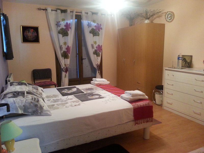 Leila room