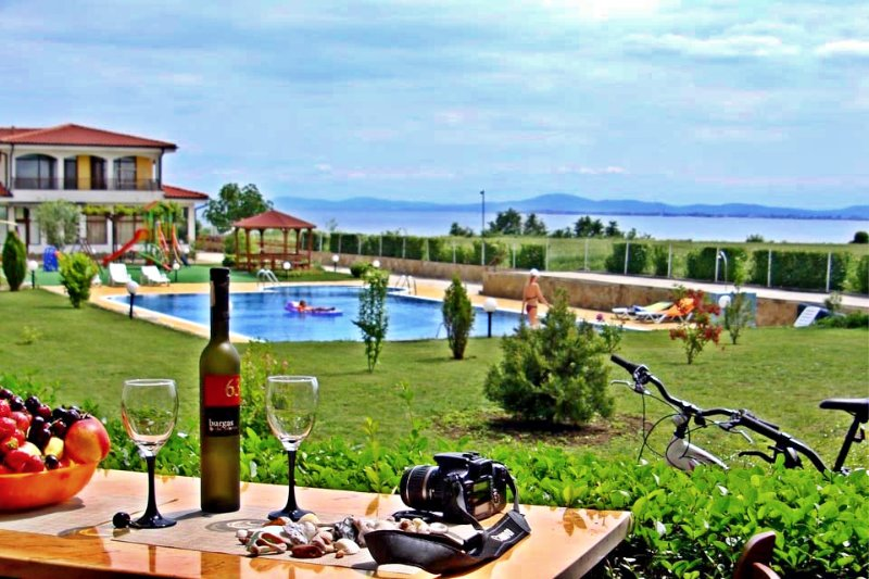 Luxury apartment  with view of the Sea, vacation rental in Ravda