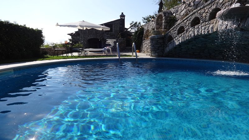 Swimming pool on the rock sorrento villas holidays accommodation vacation amalfi coast booking rents