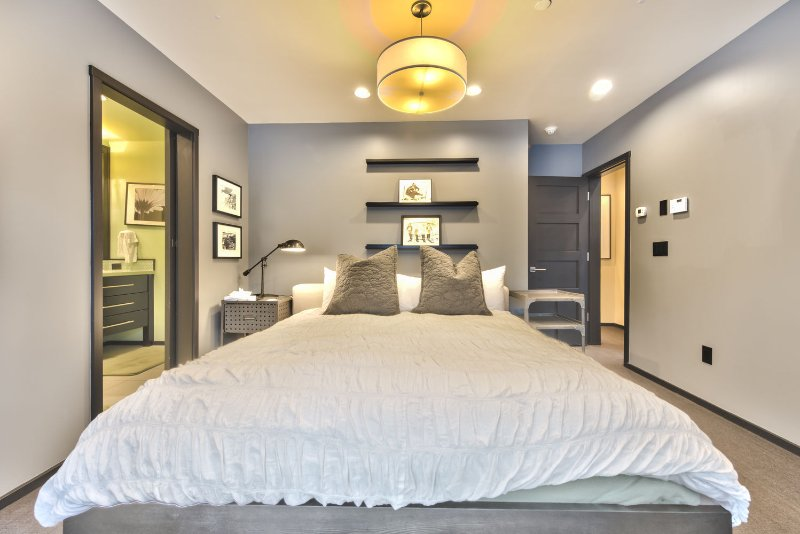 Master Bedroom with King Bed, Flat Screen TV, Private Deck and Private Bath