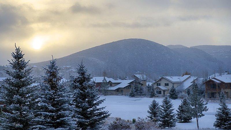Vista dalla terrazza privata con vista sulle piste da sci di Park City e sul campo da golf Park Meadows