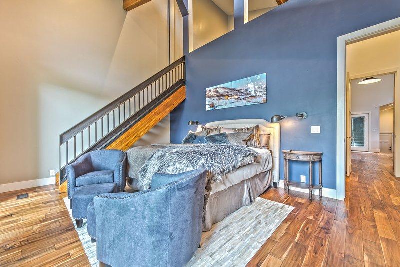 Master Bedroom with King Tempu-Pedic Bed, HD Smart TV, Full Bath access, Loft, Private Deck