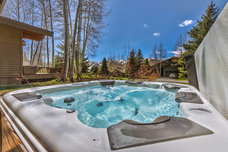Private Hot Tub with Beautiful Surrounding Views