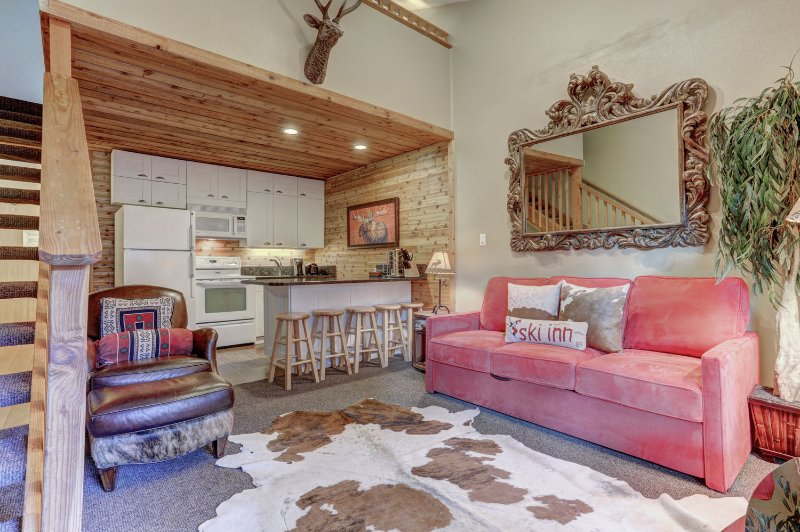 Loft with Full Kitchen, Queen Bed, TV, Fireplace and Private Balcony