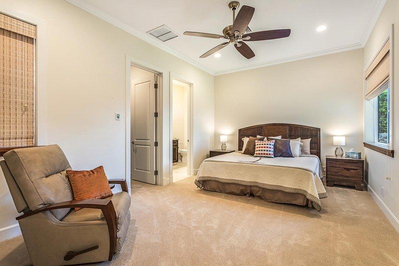 Second master bedroom with en suite bath.