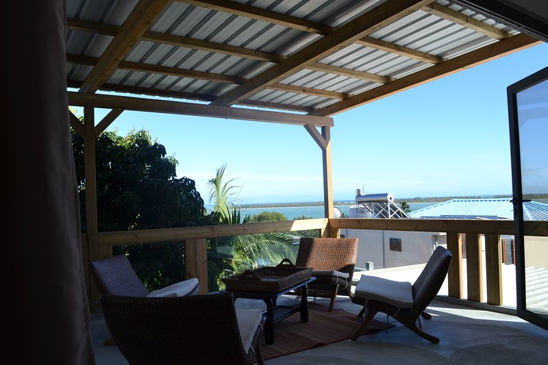 21LG Le Morne View La Gaulette Grandiose Open Loft Panoramic Sea View & Pool, location de vacances à La Gaulette