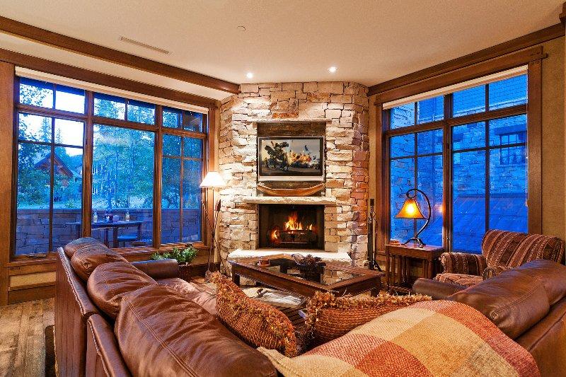 Luxuoso Great Room