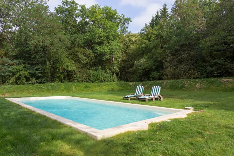 Puyperat Villa Sleeps 4 with Pool - 5386504, casa vacanza a Laveyssiere