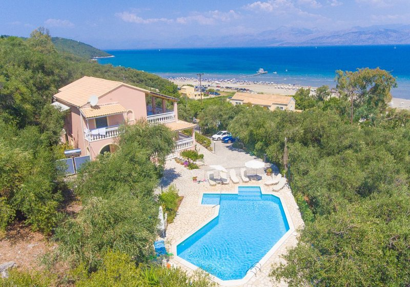 Beautiful Villa with Private Pool, and Terrace