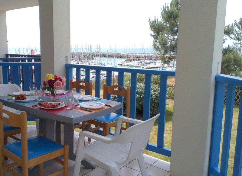 Appartement vue sur mer, port et golf, aluguéis de temporada em Talmont Saint Hilaire