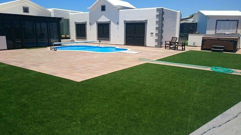 Luxury Villa Faro Park. Fantastic Seaview, holiday rental in Playa Blanca