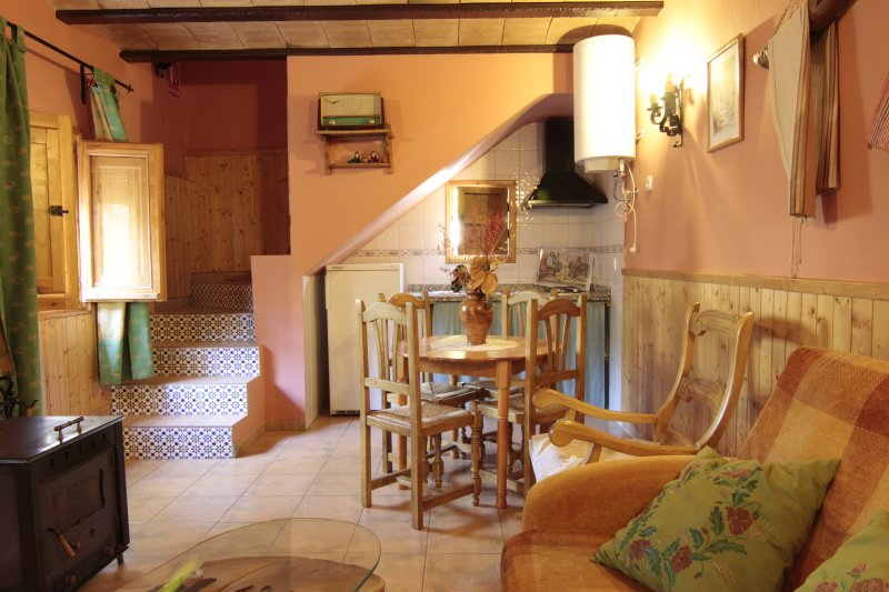 Mesoncillo ESTE, vacation rental in Beas de Segura
