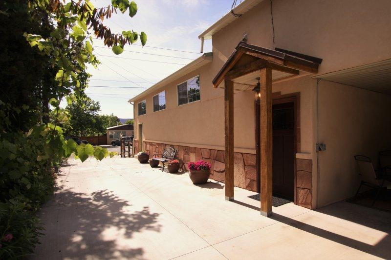 Entrance to Su Casa Inn