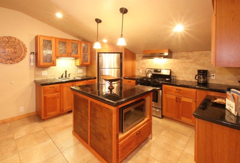 Niagara glass inserts in upper cabinets