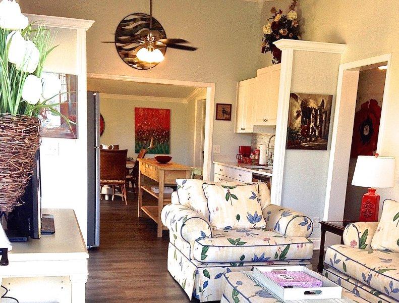 Villa Dior en 63 Sable Cay Ct, NSB - 2 dormitorios, 2 baños con muelles para embarcaciones