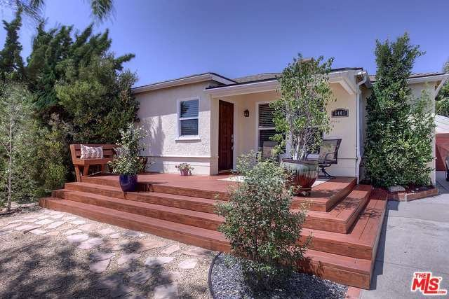 Beautiful updated home-centrally located with spacious backyard and BBQ!, location de vacances à El Segundo