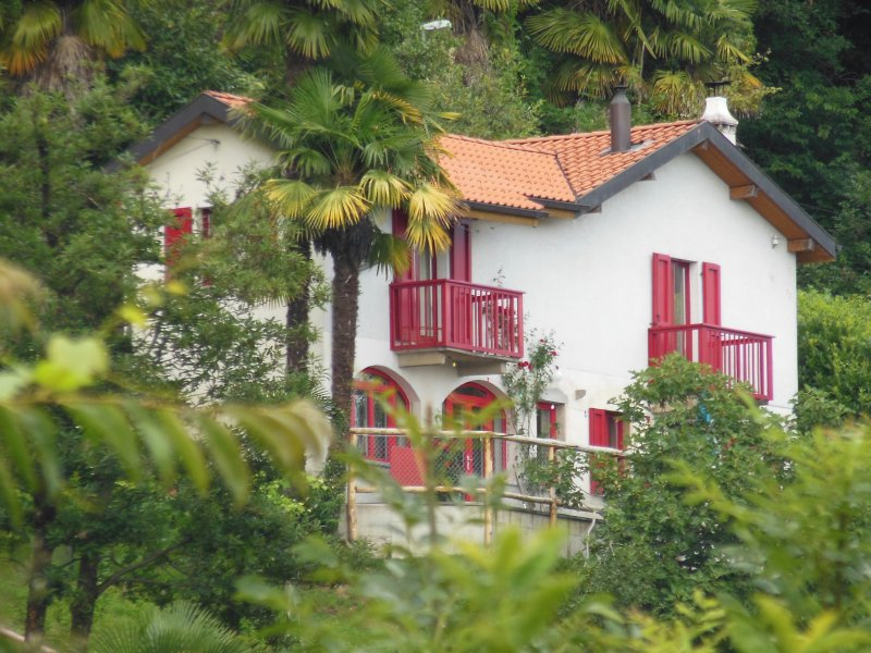 Woods, Hills, Lakes and Sunshine in Ticino: Vacation House 'La Rusticanella', vacation rental in Astano