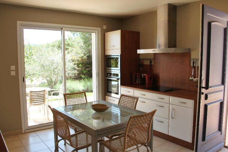 Cebazan Lou Daro villa 1 chambre dans propriété avec piscine chauffée, location de vacances à Saint-Chinian