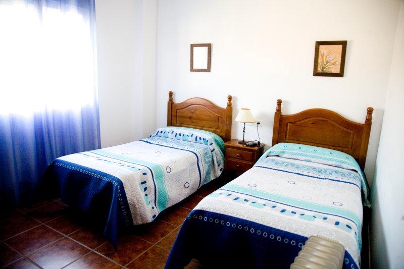Hostal cerca de paraje natural, con unas vistas impresionantes (H5), holiday rental in Gobantes