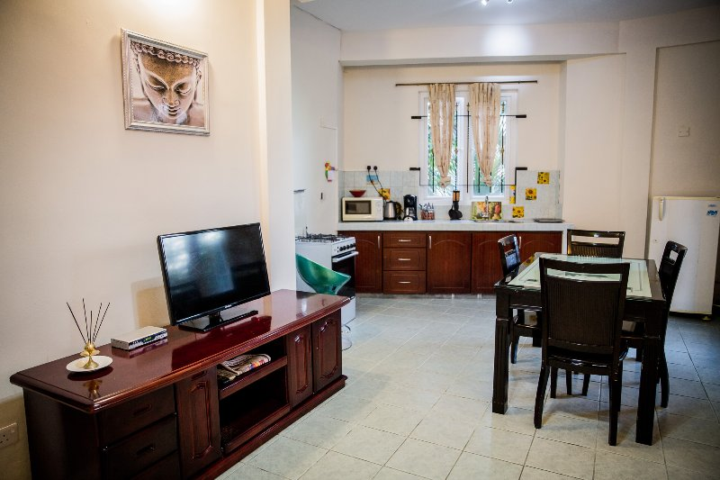 Apartment 4 people - 2 bedrooms - 30 meters from the sea