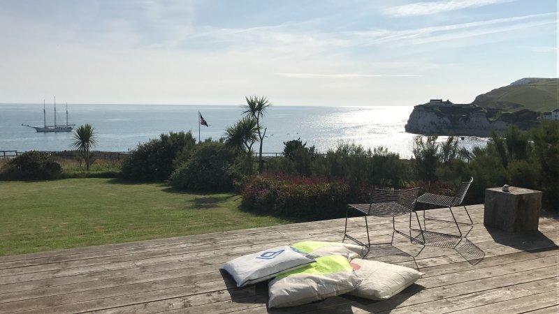 Marine Villa, Freshwater Bay, holiday rental in Brighstone