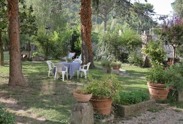 Rassina Apartment Sleeps 11 with WiFi - 5241881, Ferienwohnung in Castel Focognano