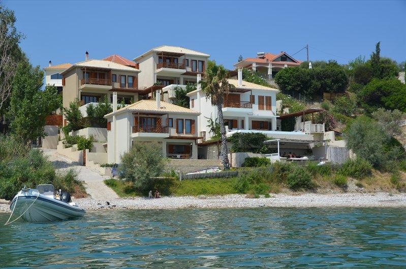 Villa Scorpios, unoverlooked, top right