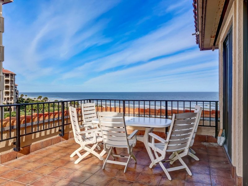 OCEANFRONT LUXURY CONDO IN GATED RESORT COMMUNITY ON