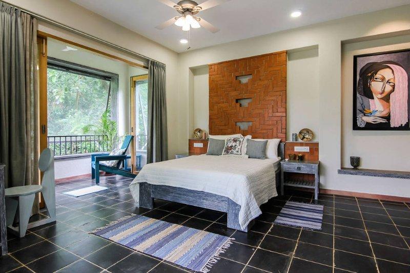 Lavender Suite, holiday rental in Chandor
