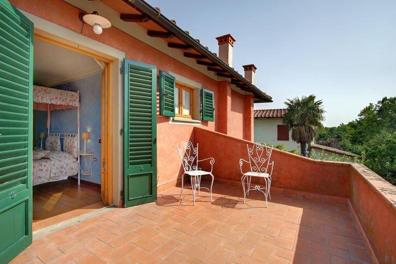 Ostina Villa Sleeps 12 with Pool - 5242158, vacation rental in Cancelli