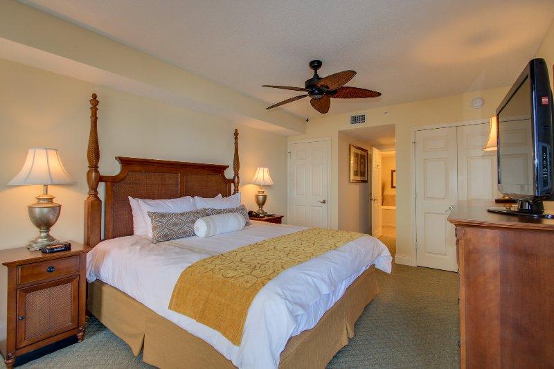 Mestre King Suite Bedroom