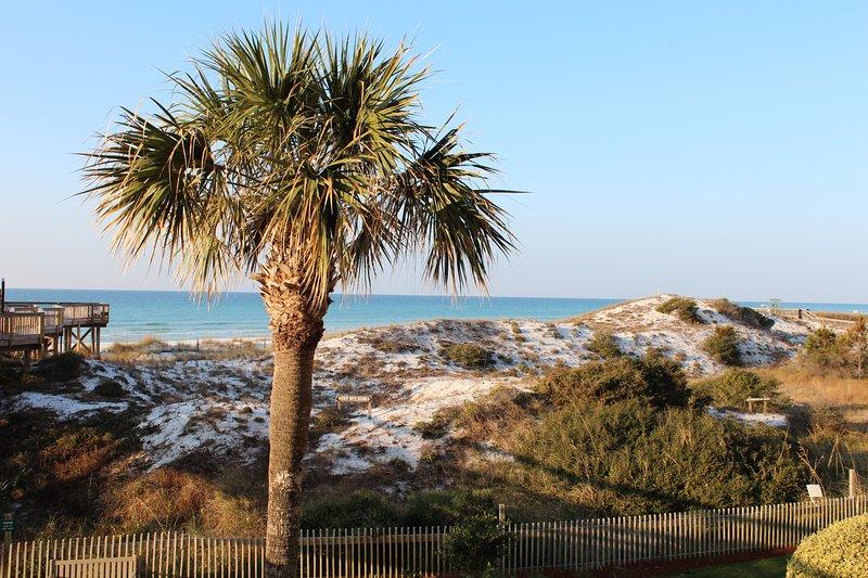 Vista sulla spiaggia dal balcone.
