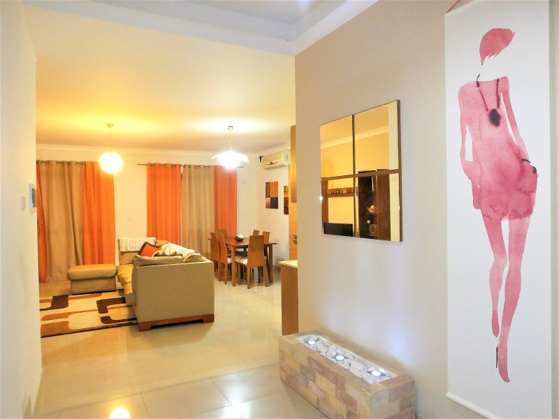 3 bedroom apartment in the vicinity of the promenade and all amenities., holiday rental in Qawra