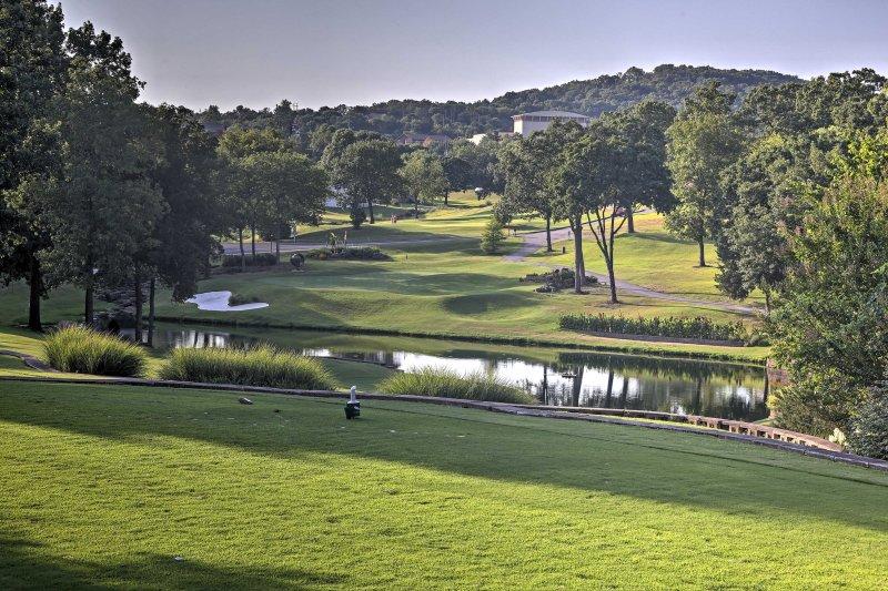 Rendez-vous au parcours de golf sur place à quelques minutes à pied!