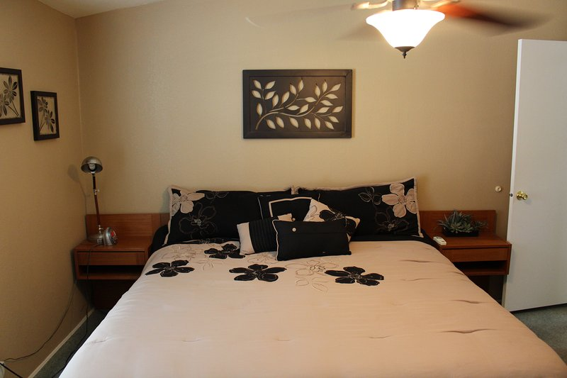 King Size Bed in 2nd Bedroom.