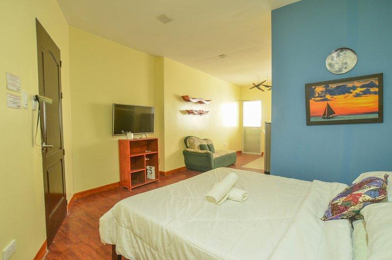 Niu Ohana Bolabog Hotel - Deluxe Studio, vacation rental in Malay