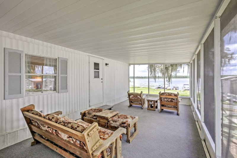 Lakeside Silver Springs Cabin w/ On-Site Boat Ramp, holiday rental in Salt Springs
