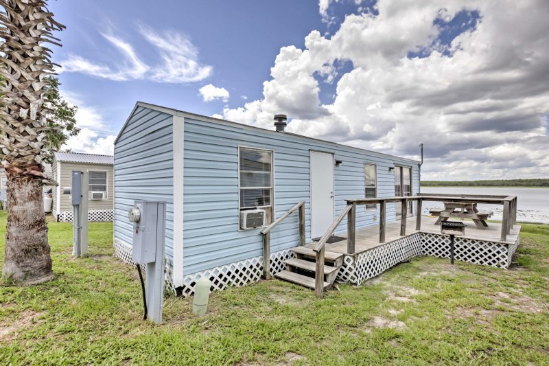 Plan your next adventure to this 1BR, 1-bathroom vacation rental cabin in Ocala!