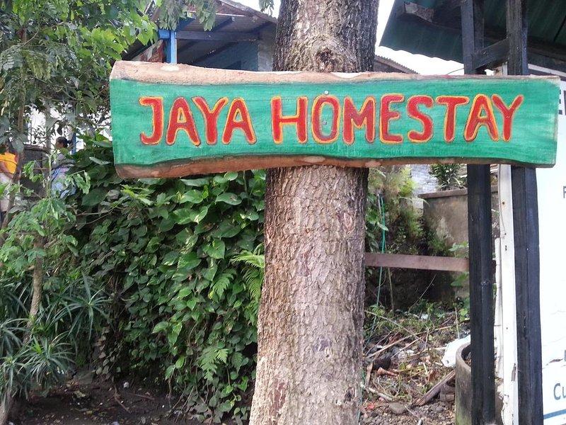 Jaya Homestay, vacation rental in Sikur
