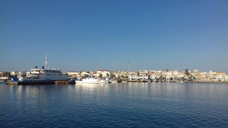 Calasetta vue du port