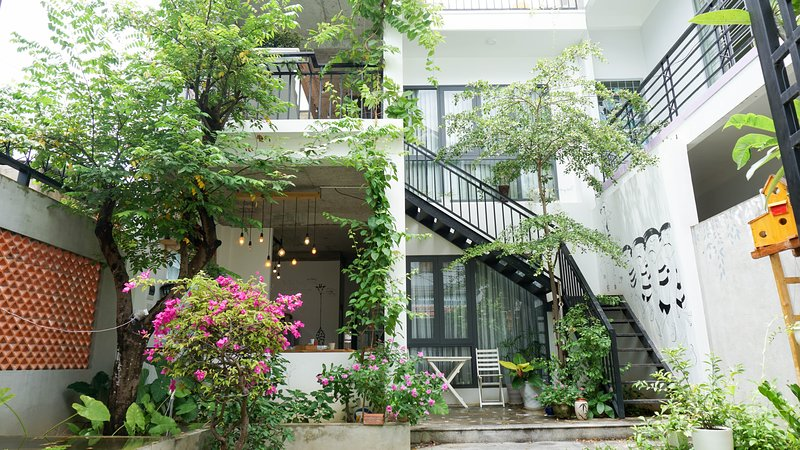 3BR Green & Artistic Home, vacation rental in An Hai Dong