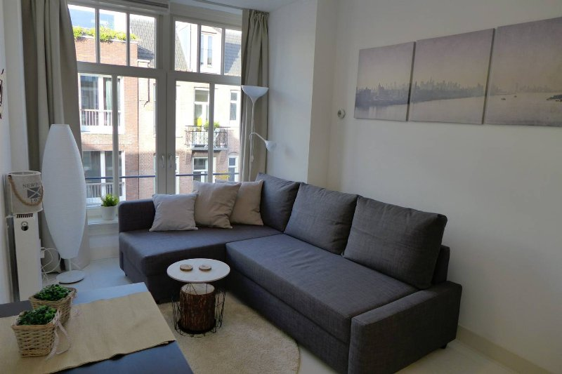 Entire cozy flat 10 minutes from center Amsterdam, alquiler vacacional en Abcoude
