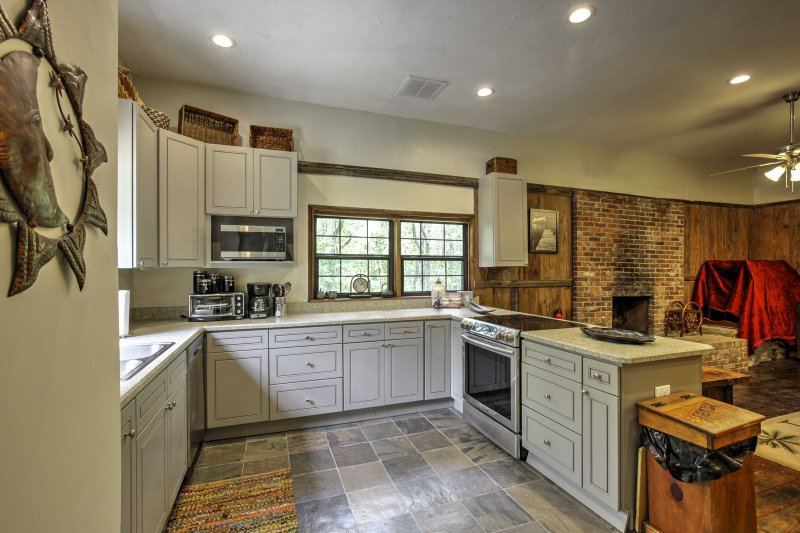 The kitchen is fully equipped with everything you'll need to prepare tasty meals.
