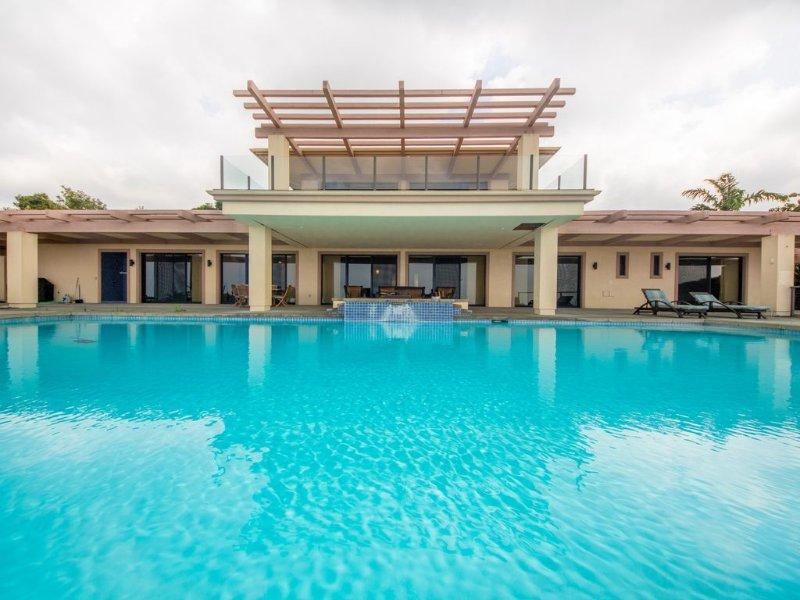 Fabulous ocean view infinity pool and hot tub!
